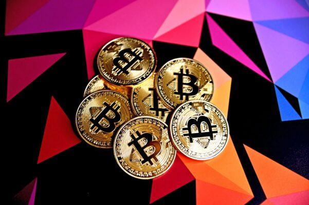 【朗報】ビットコイン史上最高値を更新、ルミス議員が規制論をけん制